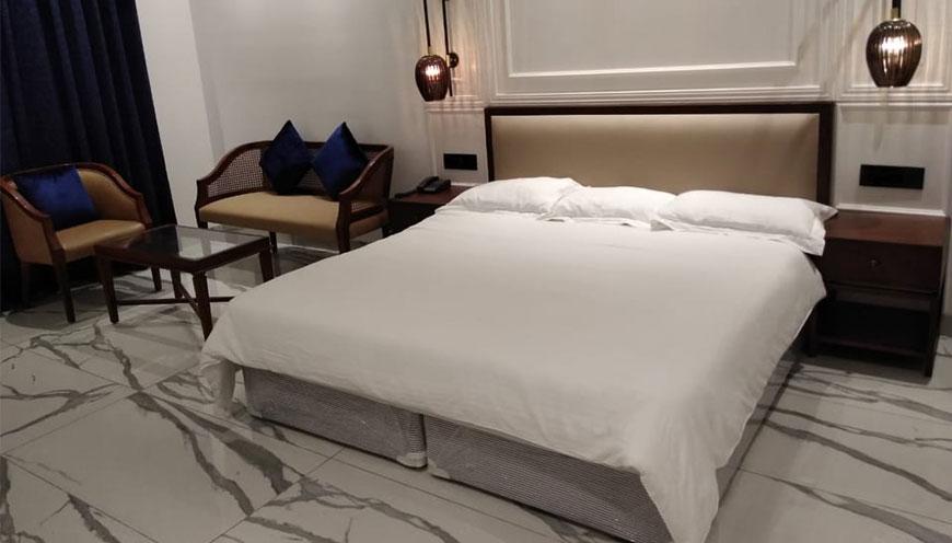 http://grandmumtaz.com/wp-content/uploads/2019/02/hotel-rani-castle-new-delhi-4-3-1.jpg