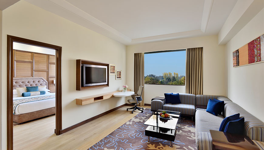 http://grandmumtaz.com/wp-content/uploads/2019/02/hotels-radisson-srinagar-4.jpg