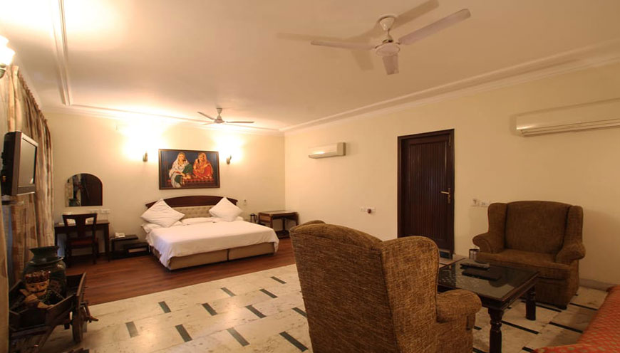 http://grandmumtaz.com/wp-content/uploads/2019/02/pee-fiftyone-apartment-new-delhi-2.jpg