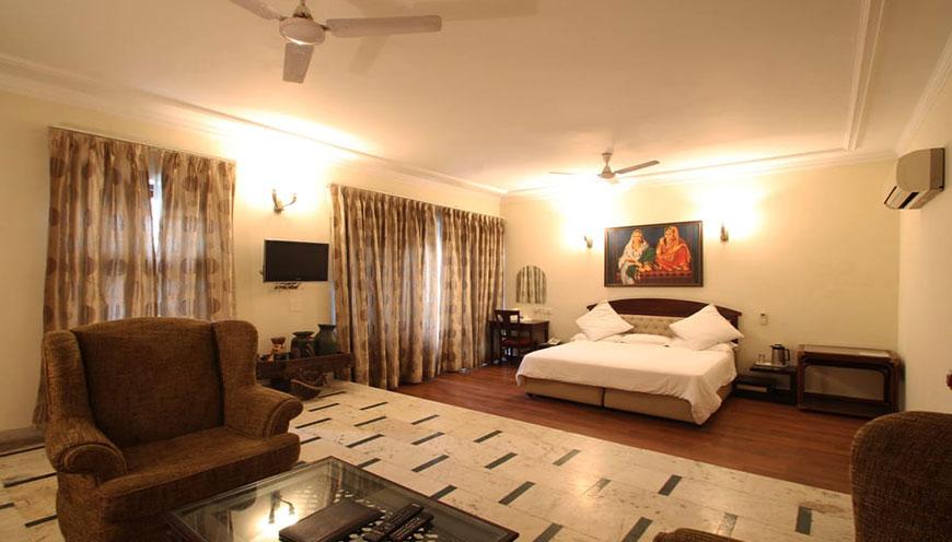 http://grandmumtaz.com/wp-content/uploads/2019/02/pee-fiftyone-apartment-new-delhi-3.jpg