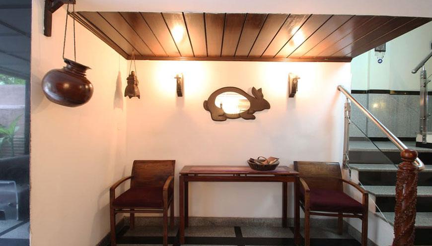 http://grandmumtaz.com/wp-content/uploads/2019/02/pee-fiftyone-apartment-new-delhi-5.jpg